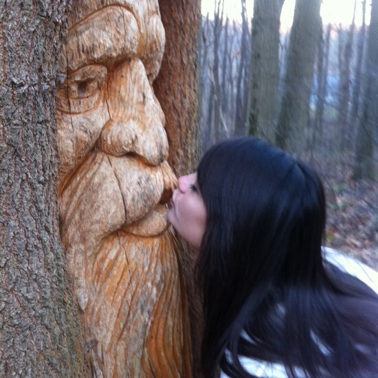 women loves tree