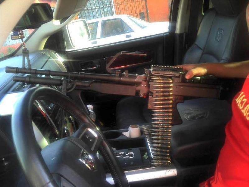 machine gun in car